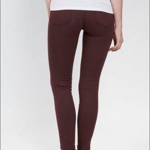 GAP burgundy jeggings sz 31 (8-10)
